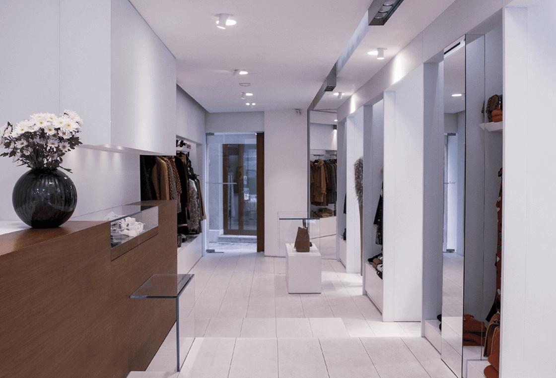 showroom-donna